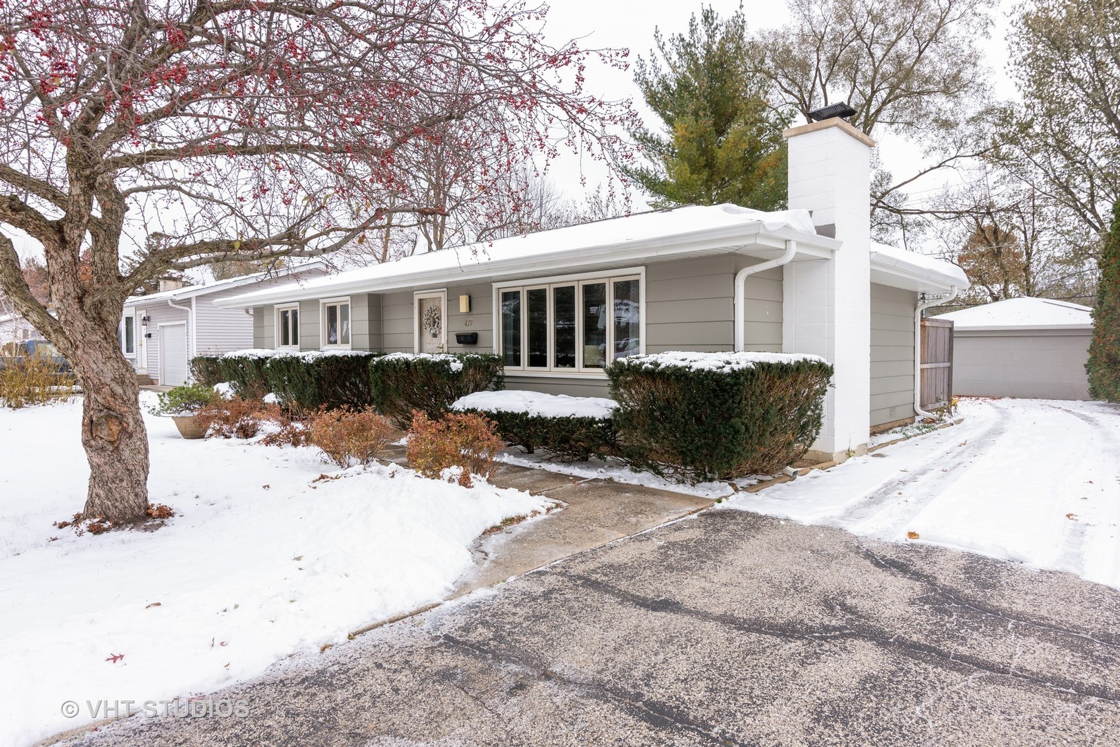 477 Linn Avenue, Crystal Lake in Mc Henry County, IL 60014 Home for Sale