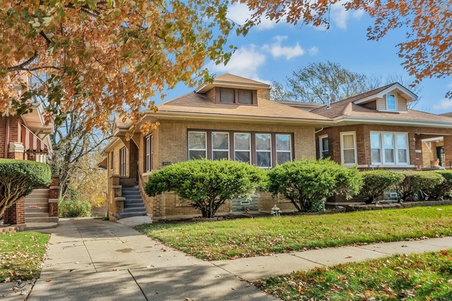 9433 South VANDERPOEL Avenue, Beverly-Chicago in Cook County, IL 60643 Home for Sale