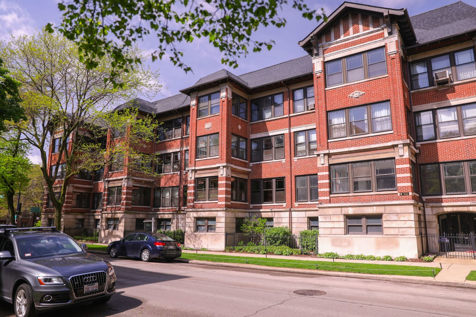 5054 South Woodlawn Avenue, Hyde Park, Illinois