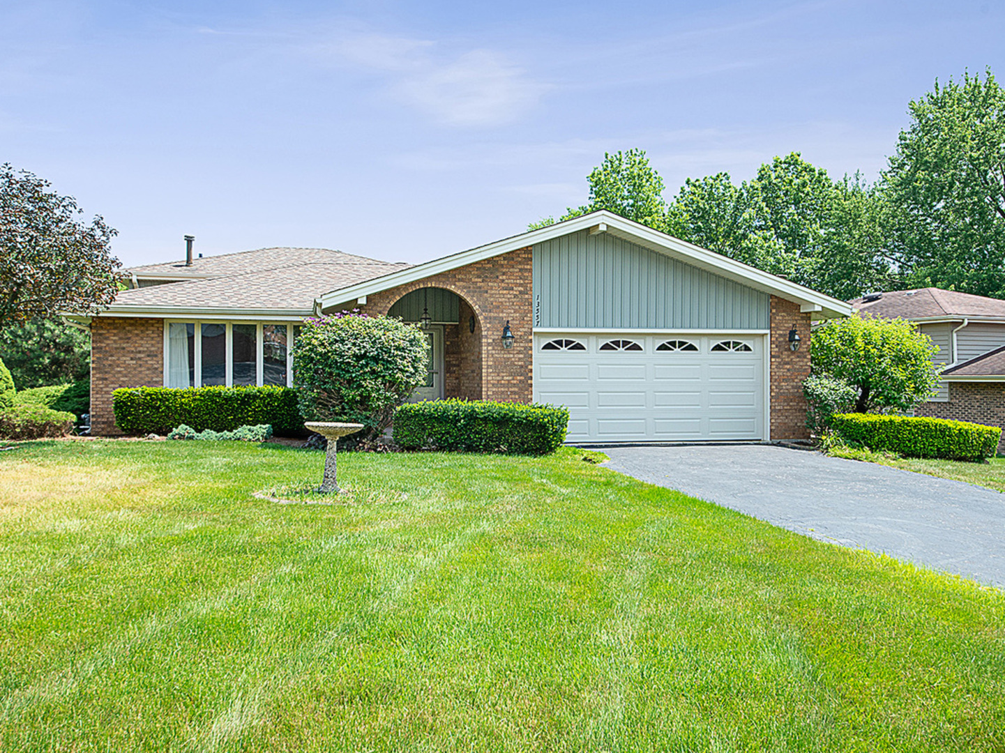 13557 South Monaghan Road, Homer Glen in Will County, IL 60491 Home for Sale