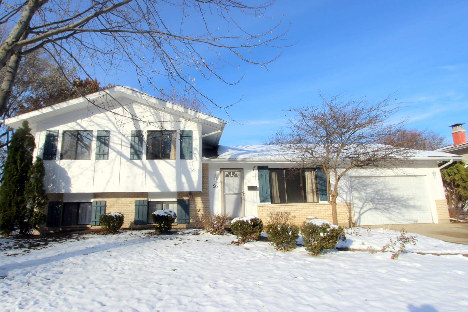 96 Barrow Drive, Crystal Lake in Mc Henry County, IL 60014 Home for Sale
