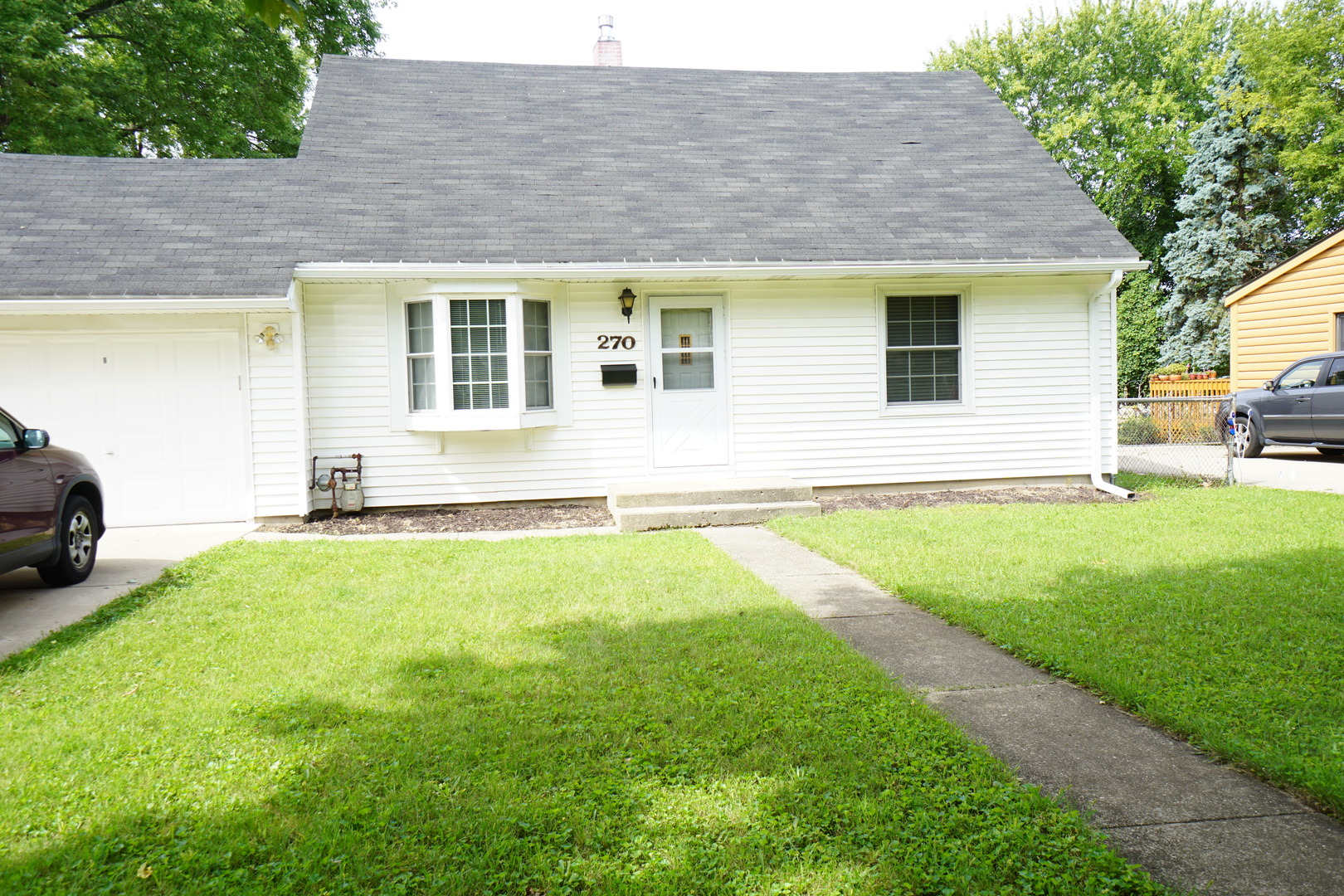 270 Hickory Drive, Crystal Lake in Mc Henry County, IL 60014 Home for Sale