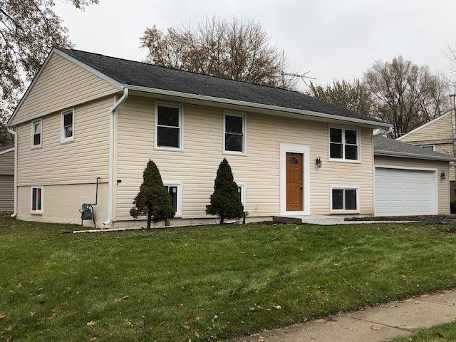 700 Surrey Drive, Streamwood, Illinois
