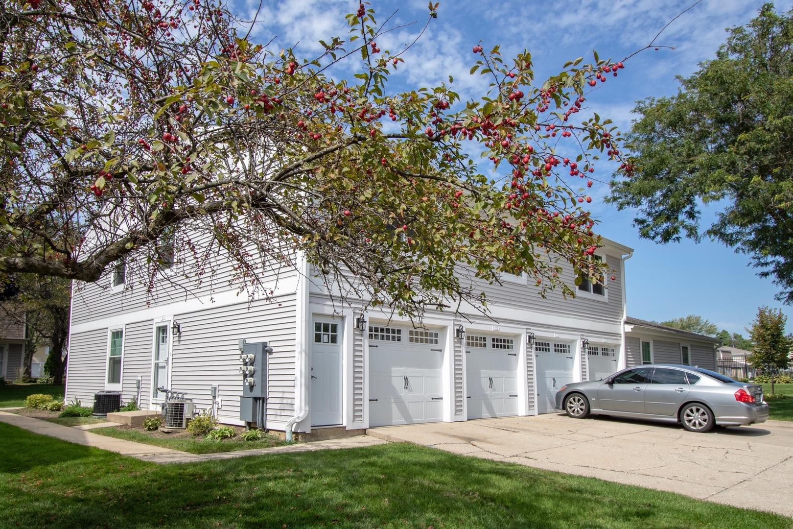220 WINFIELD Court, Vernon Hills, Illinois
