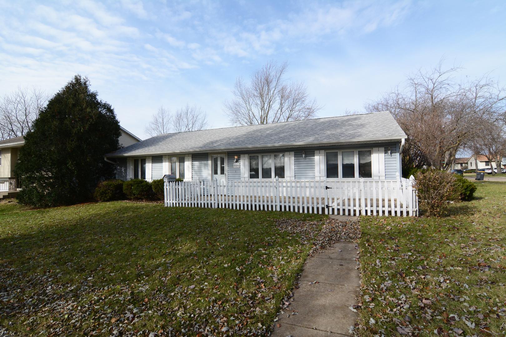 516 Krause Avenue, Streamwood, Illinois