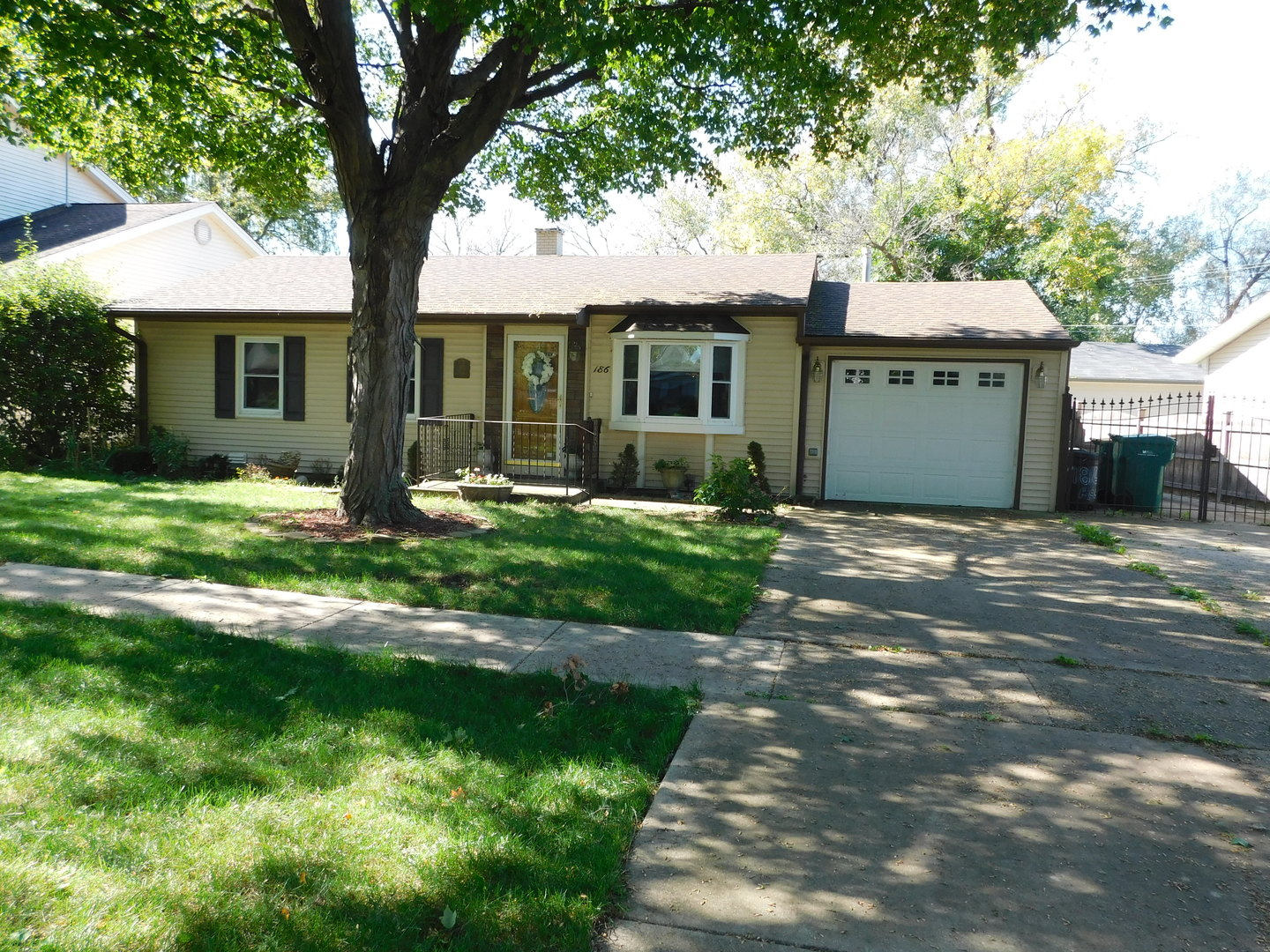 186 RAUPP Boulevard, Buffalo Grove in Cook County, IL 60089 Home for Sale