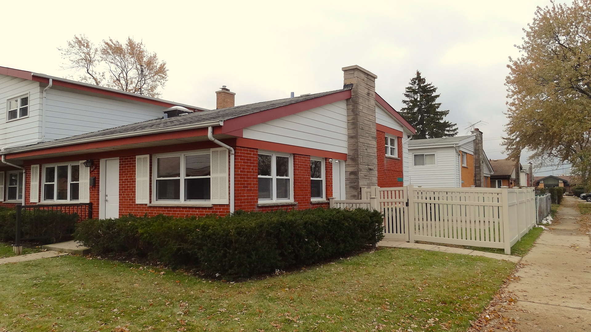 One of Niles 4 Bedroom Homes for Sale at 9019 North Clifton Avenue