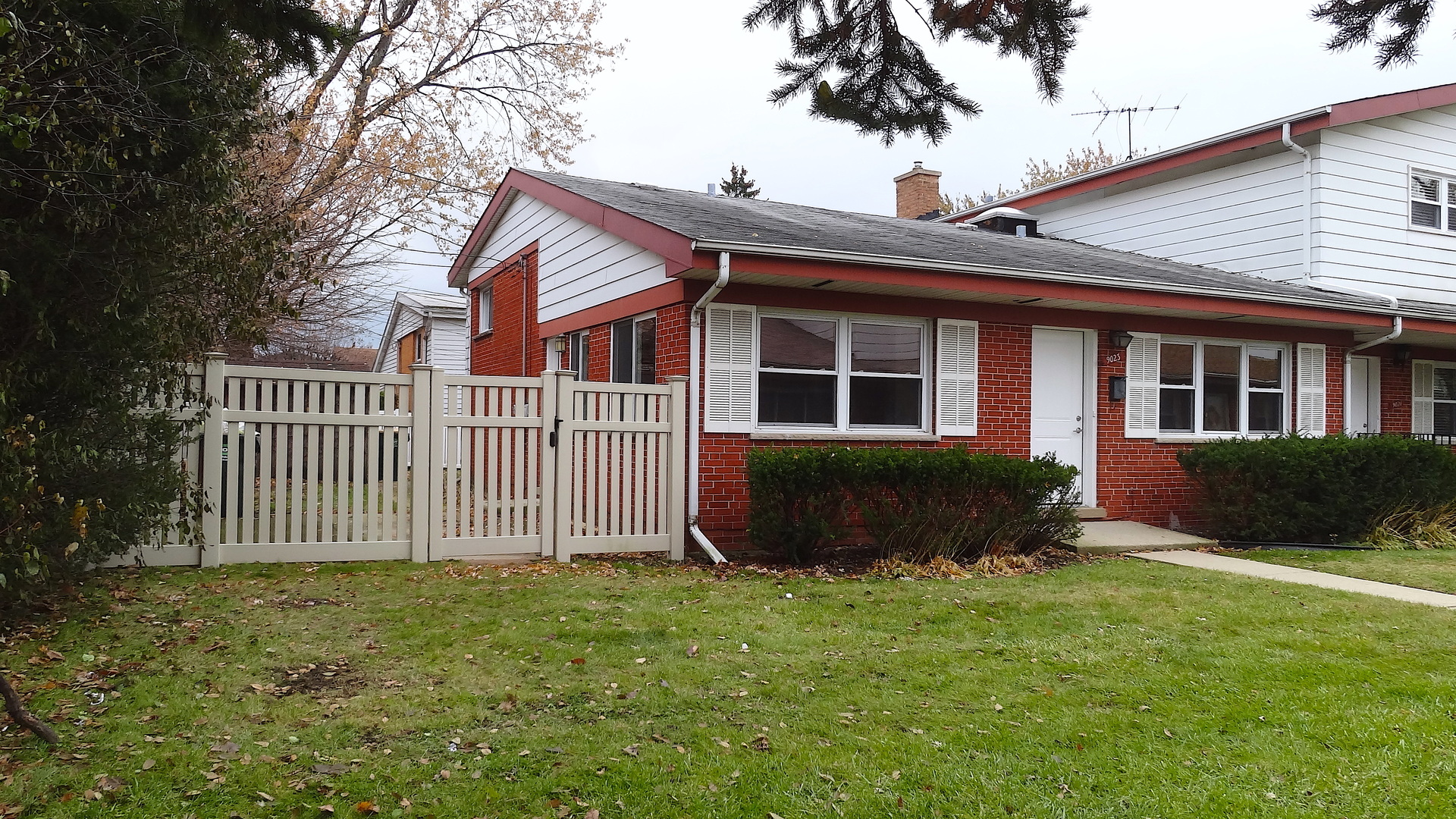 One of Niles 3 Bedroom Homes for Sale at 9023 North Clifton Avenue