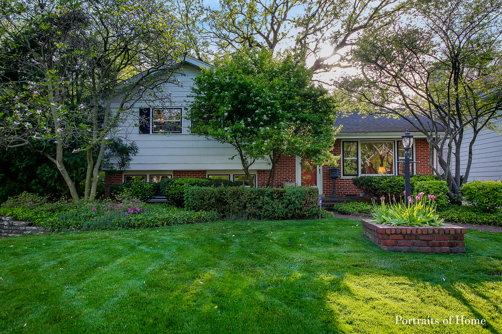 5538 Brookbank Road, Downers Grove, Illinois