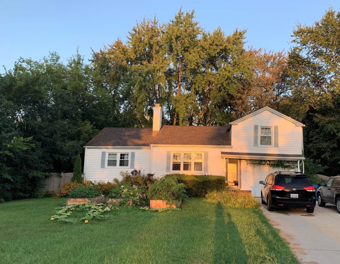 9447 Greenwood Drive, Des Plaines, Illinois