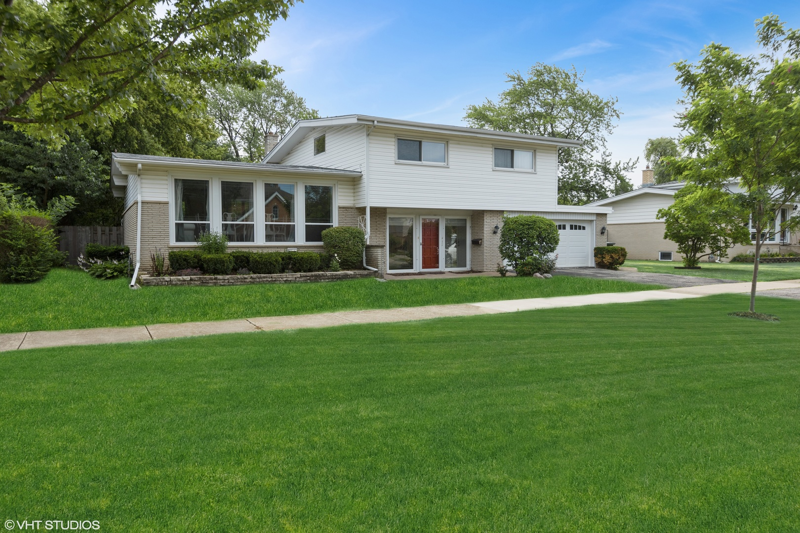 417 Huber Lane, Glenview in Cook County, IL 60025 Home for Sale