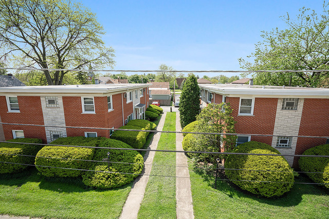 6727 174th Place, Tinley Park, Illinois