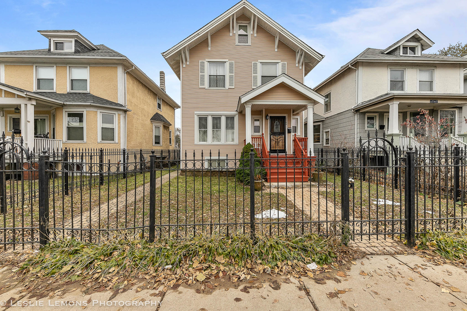 One of Edgewater 3 Bedroom Homes for Sale at 1765 West Devon Avenue