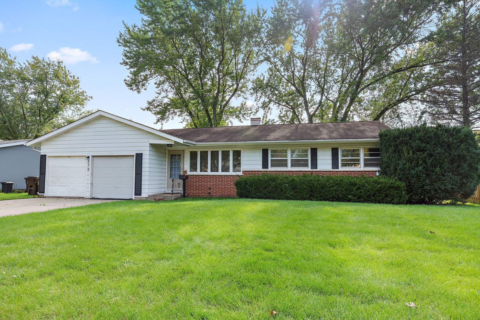 239 Lincolnshire Drive, Crystal Lake, Illinois