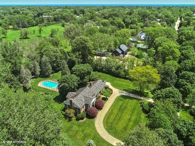 258 West Westminster Road, Lake Forest, Illinois