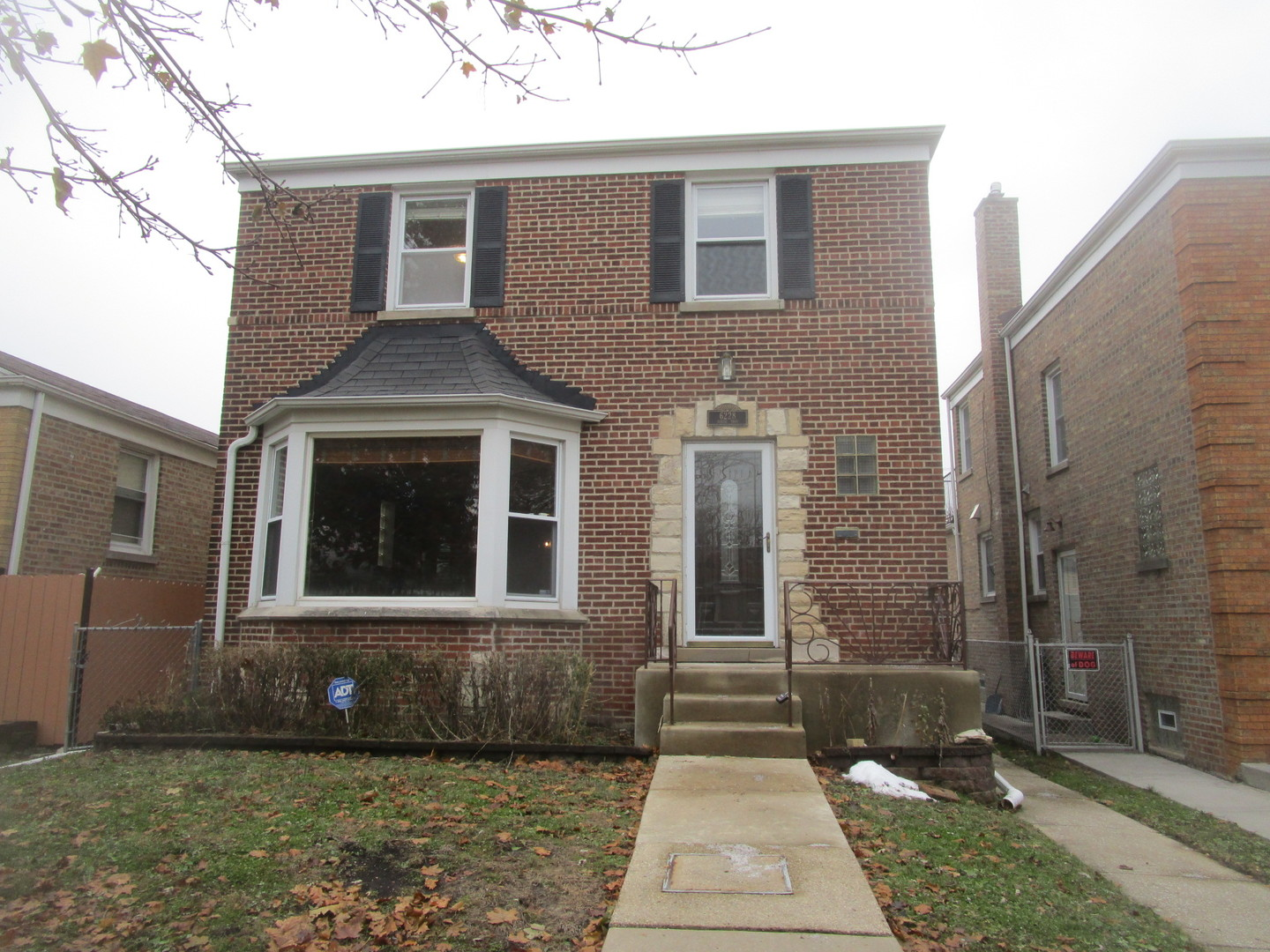 6228 North Troy Street, North Park Chicago, Illinois