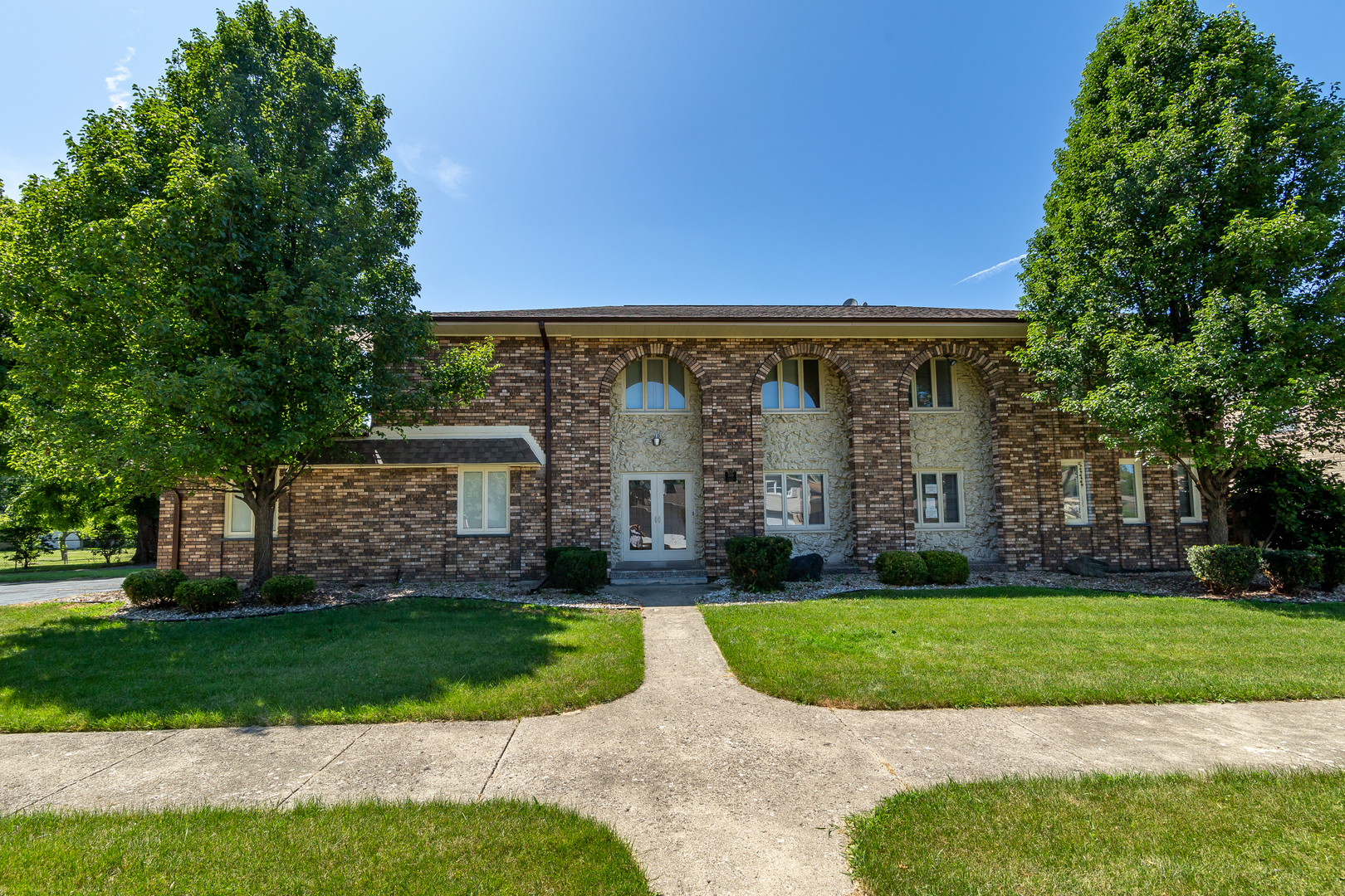 700 Marcella Road, one of homes for sale in Des Plaines