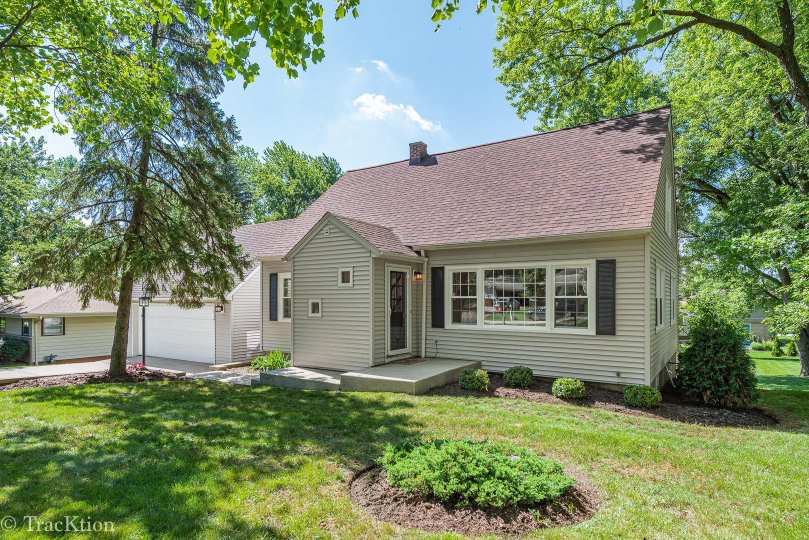919 Meadowlawn Avenue, Downers Grove, Illinois