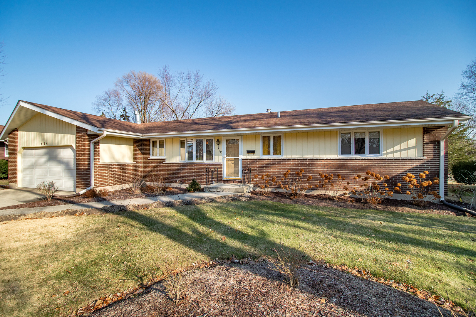 935 Ruth Drive, Elgin, Illinois