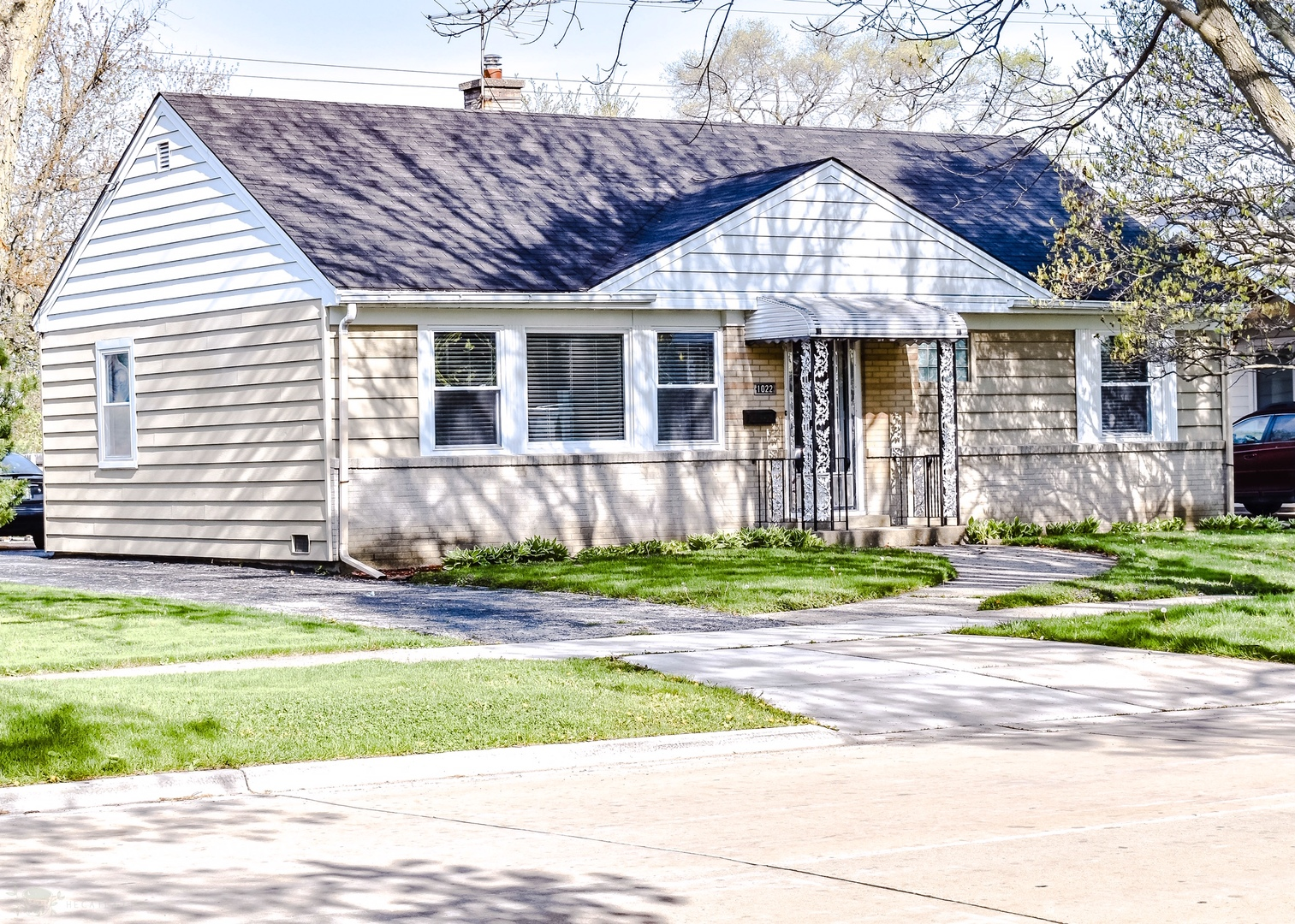 1022 Beach Avenue, La Grange Park, Illinois