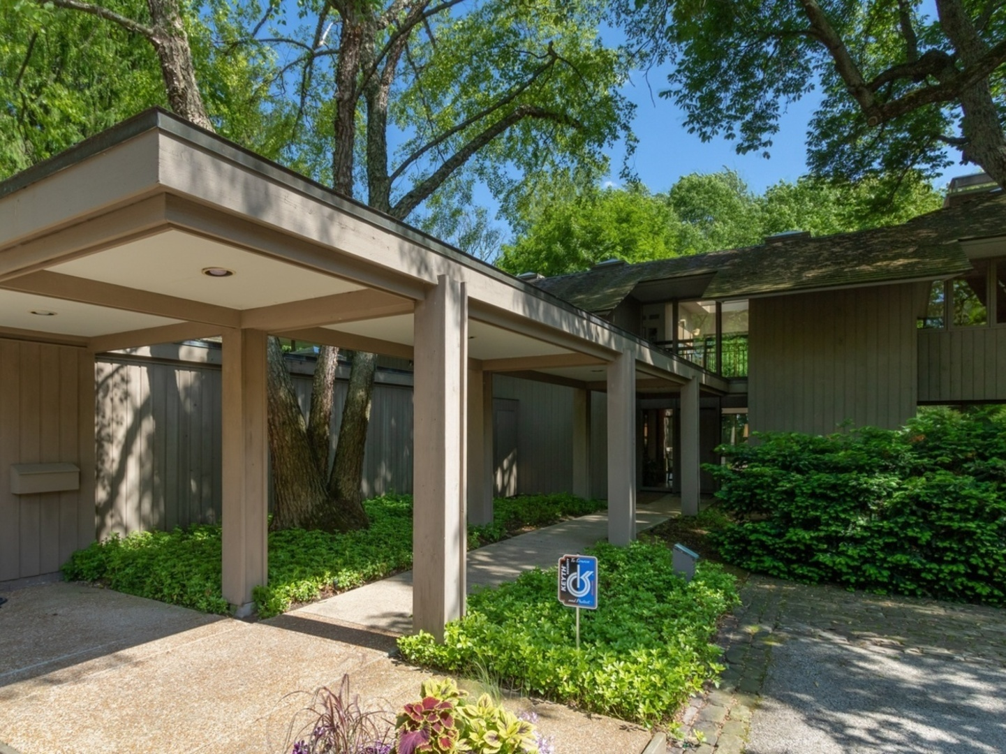 925 East Westminster, Lake Forest, Illinois