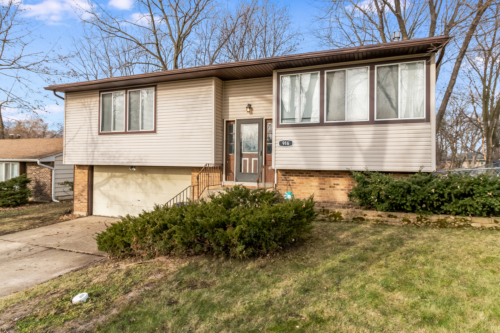 916 Carl Avenue, Elgin in Cook County, IL 60120 Home for Sale