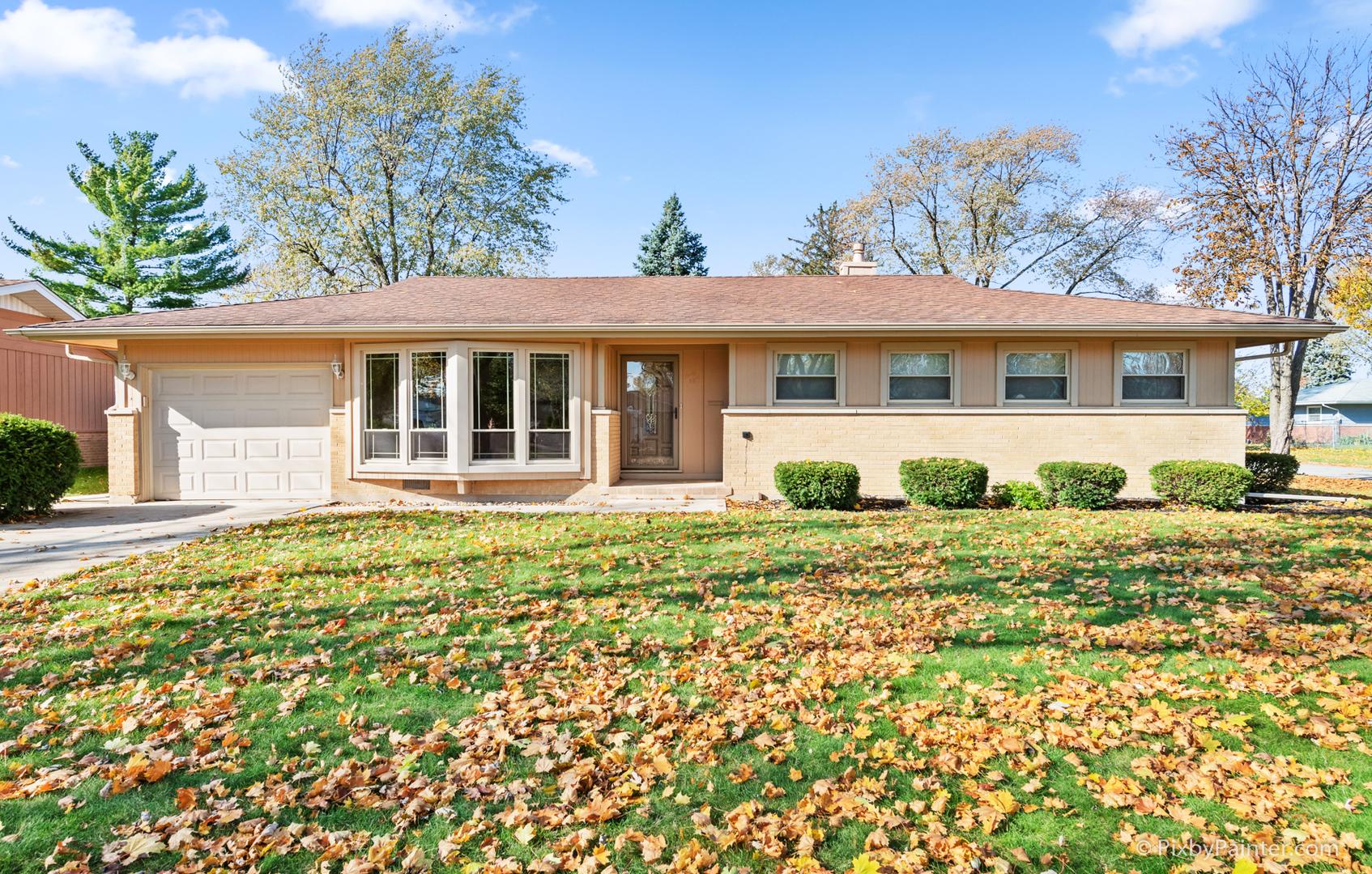 48 Ridgewood Road, Elk Grove Village, Illinois