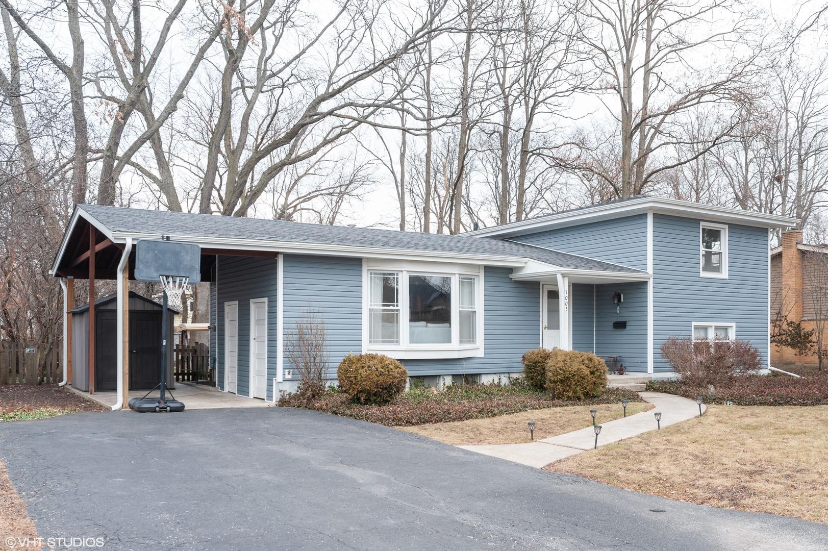 1005 CASTLEWOOD Lane, Deerfield, Illinois