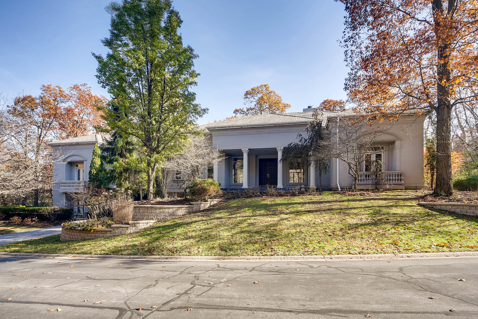 9525 PACIFIC Court, Burr Ridge in Du Page County, IL 60527 Home for Sale