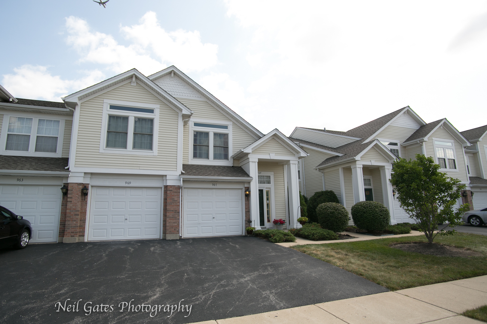 969 Huntington Drive, Elk Grove Village in Cook County, IL 60007 Home for Sale