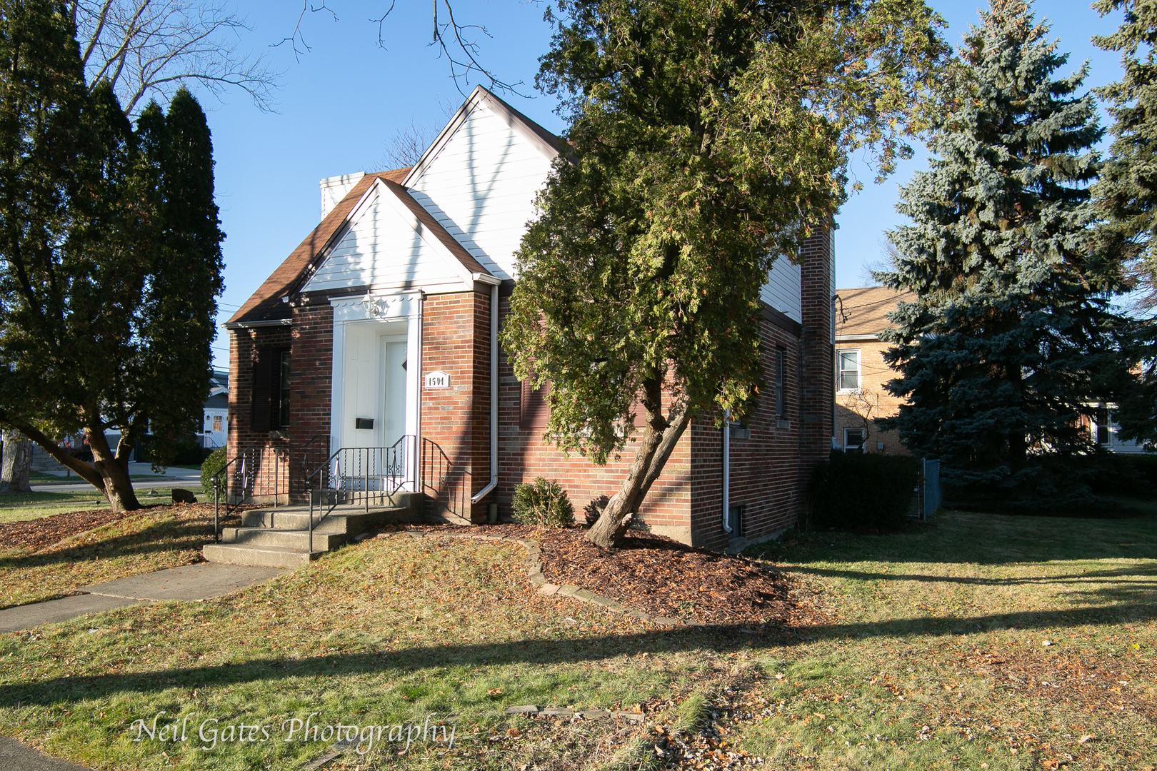 One of Des Plaines 4 Bedroom Homes for Sale at 1504 Whitcomb Avenue