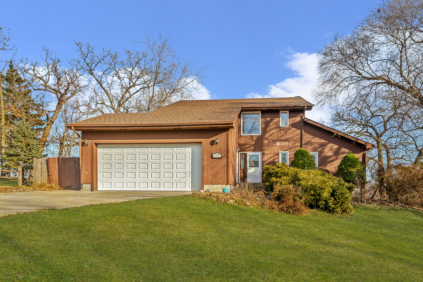 23871 West NORTH LAKEWOOD Lane, Lake Zurich, Illinois