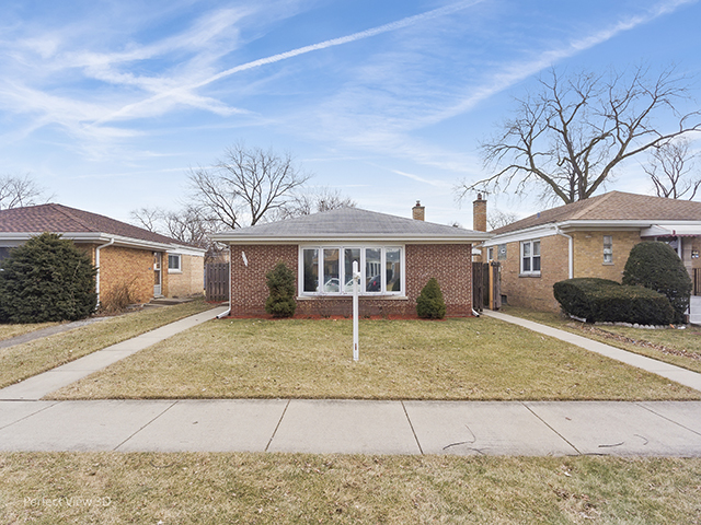 8315 Trumbull Avenue, Skokie, Illinois