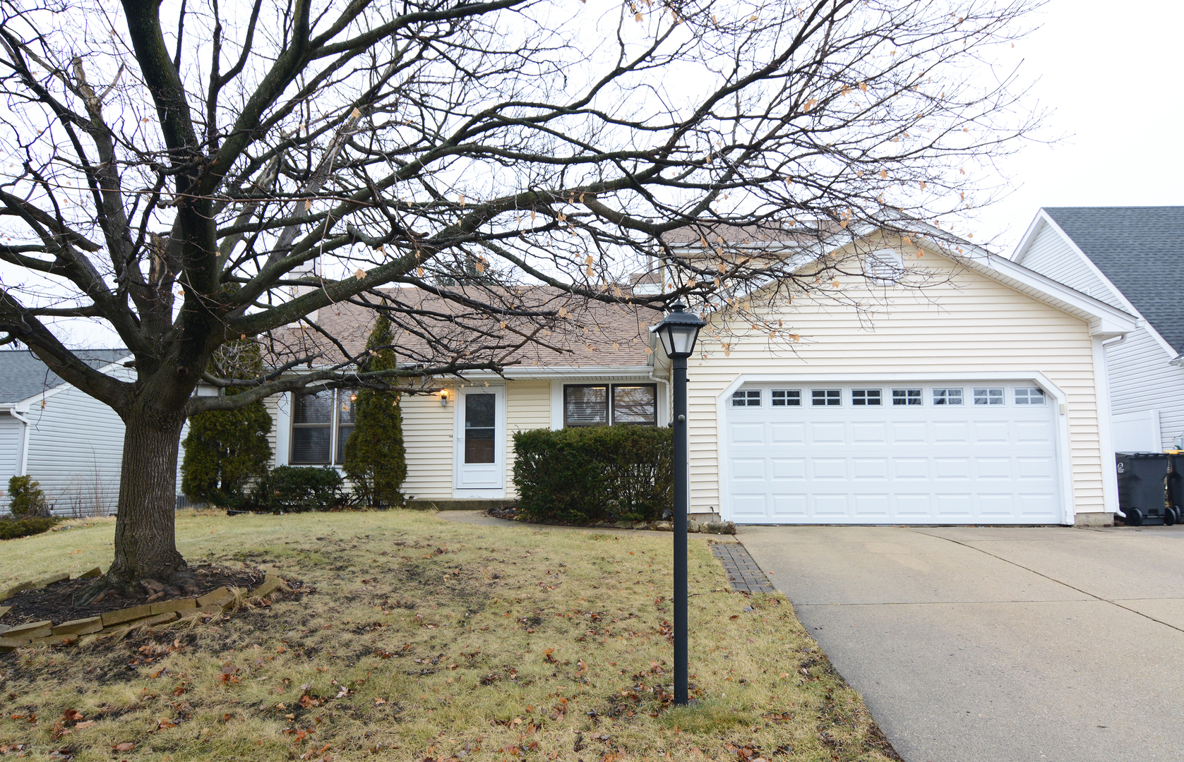 301 North Oltendorf Road, Streamwood, Illinois