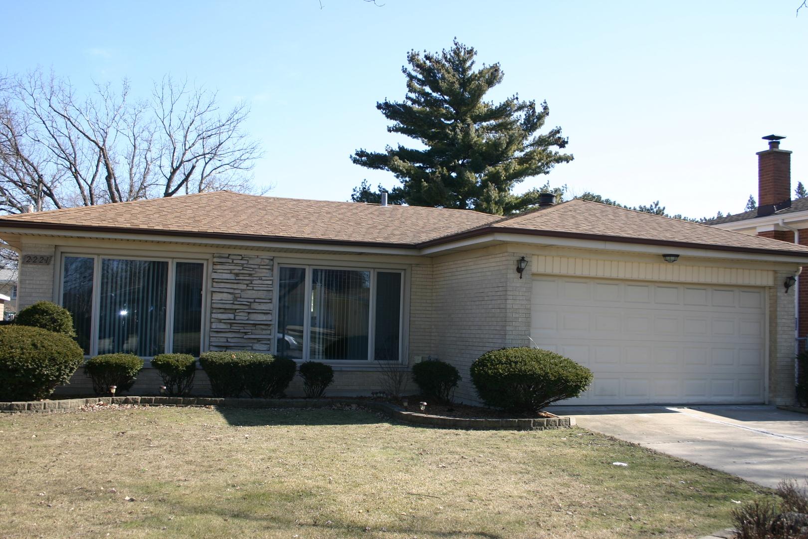 2221 Spruce Avenue, Des Plaines, Illinois