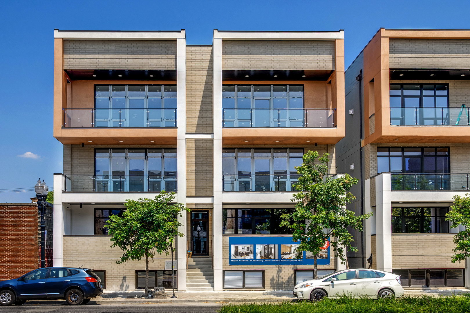 2444 West Irving Park Road, Chicago North Center, Illinois