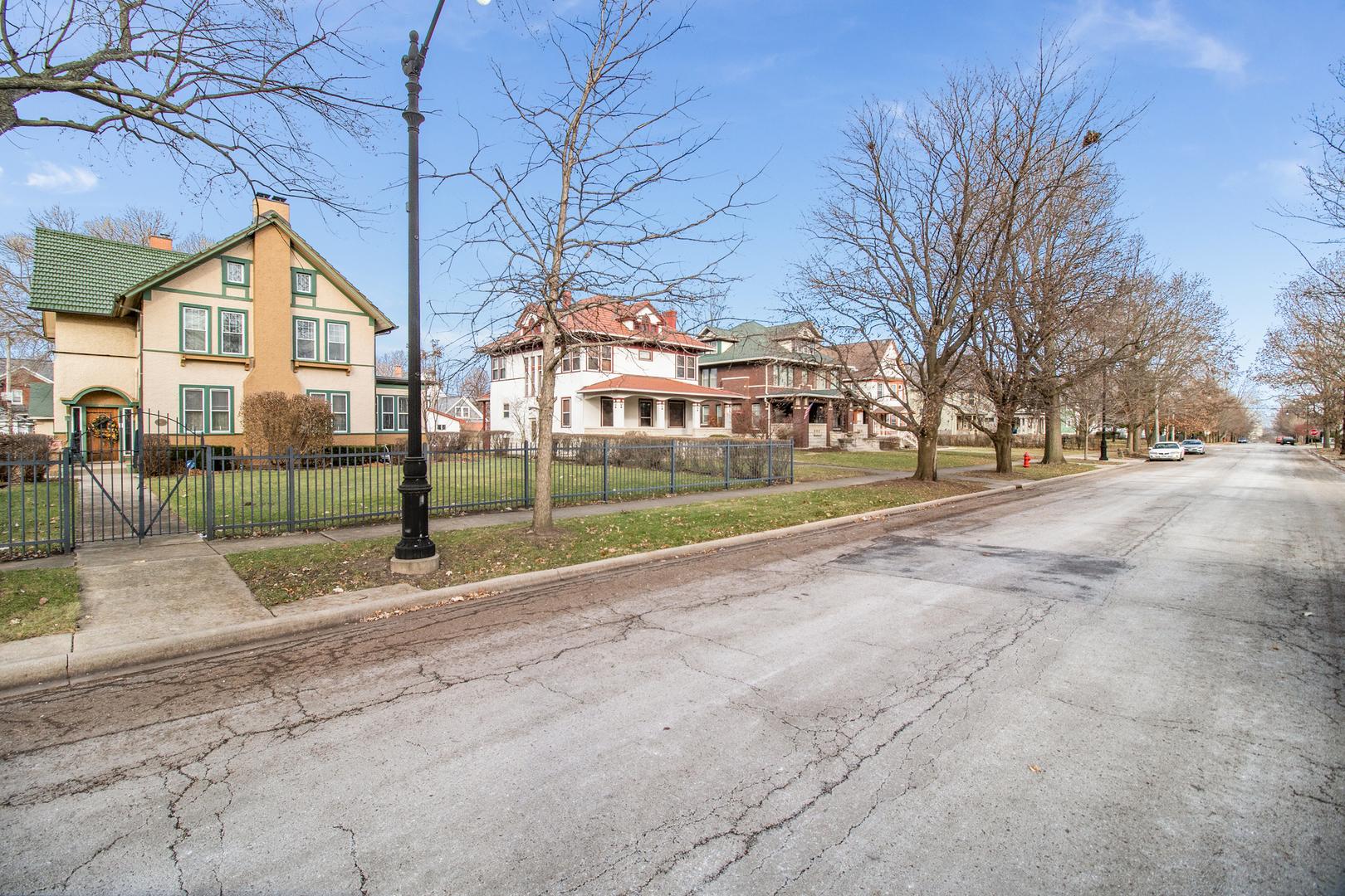 611 Campbell Street, Joliet, Illinois