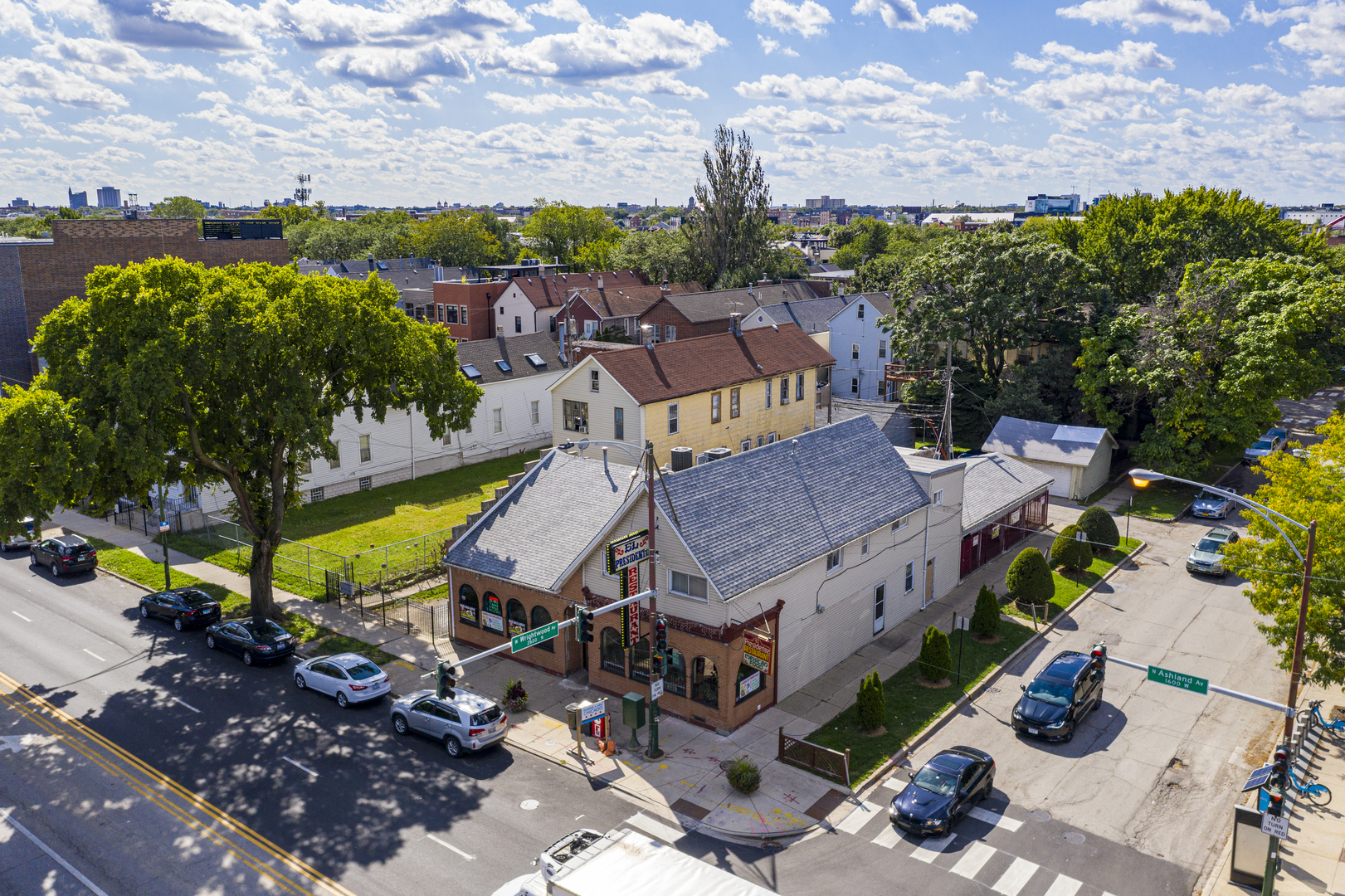2558 North Ashland Avenue, one of homes for sale in Chicago-Near West Side