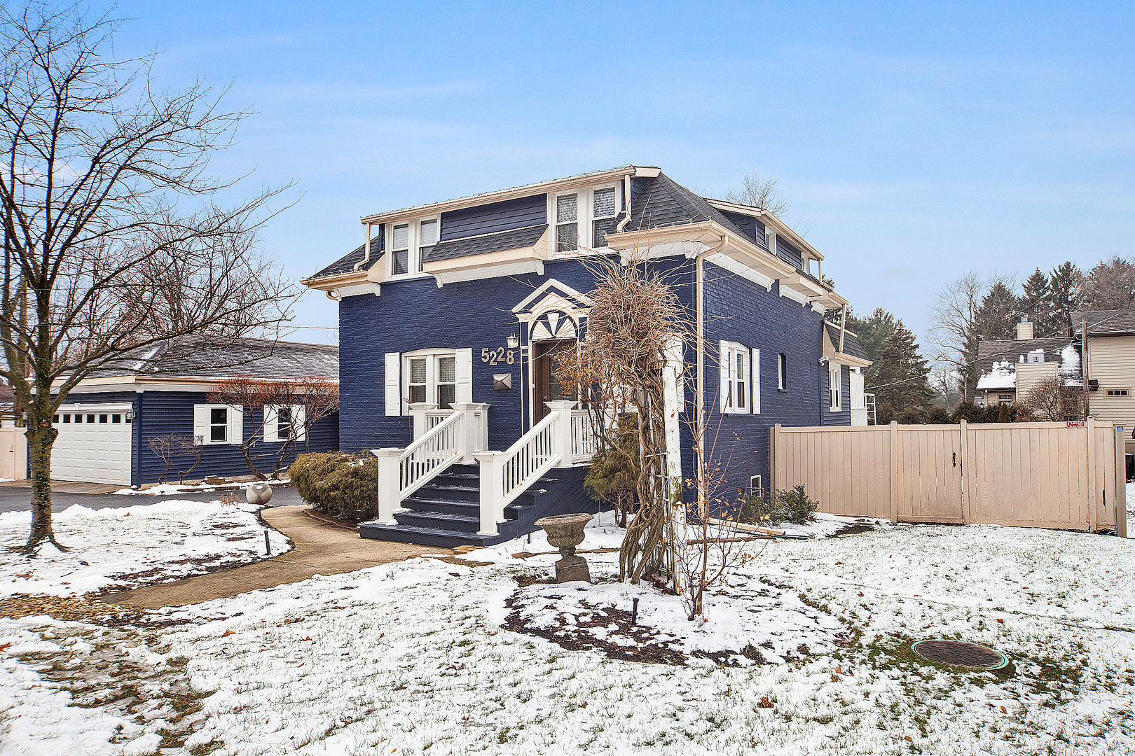 5228 Williams Street, Downers Grove, Illinois