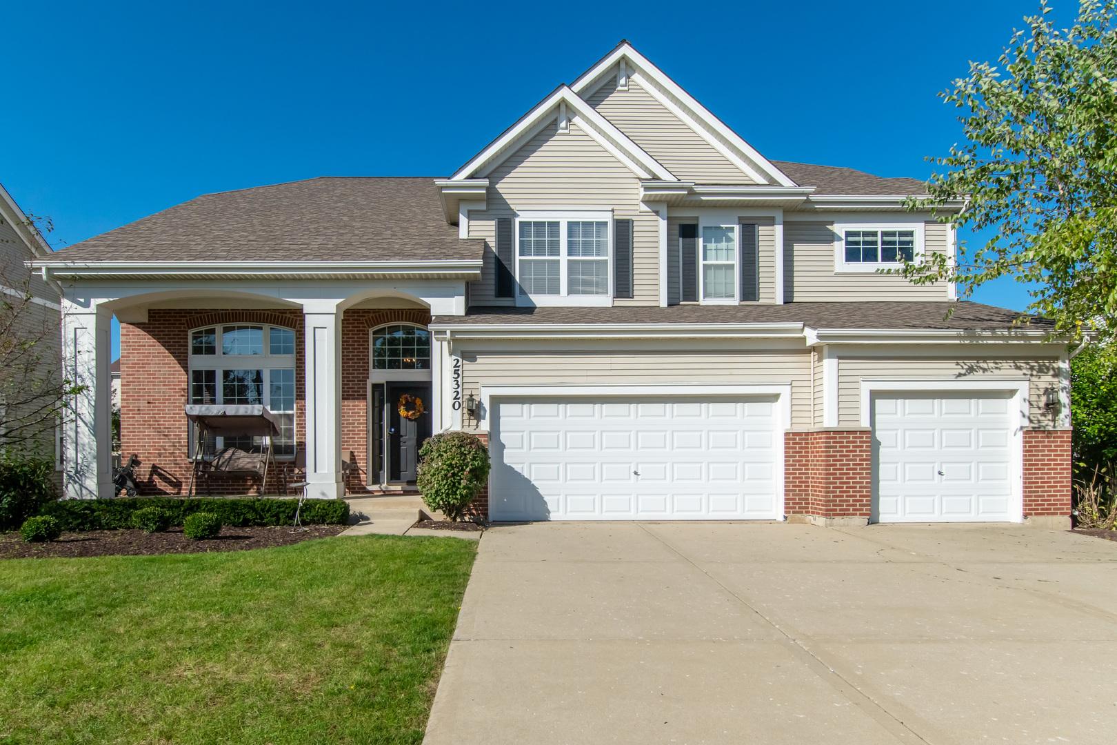 25320 Balmoral Drive, Shorewood, Illinois