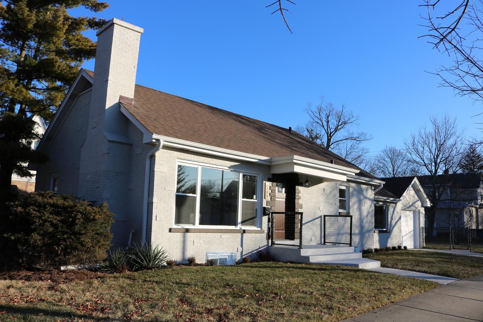 6244 Capulina Avenue, Morton Grove, Illinois