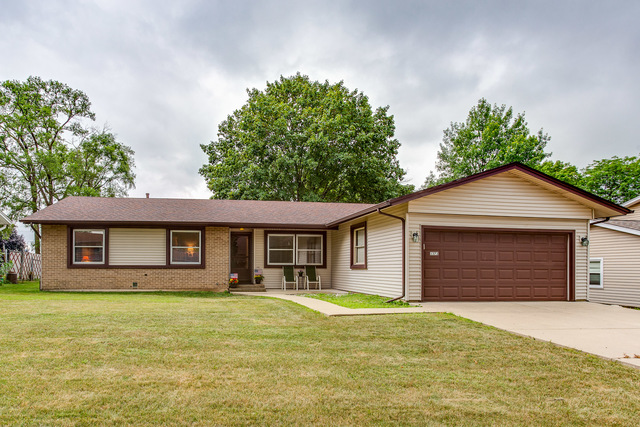 1373 East CUMBERLAND Circle, Elk Grove Village in Cook County, IL 60007 Home for Sale