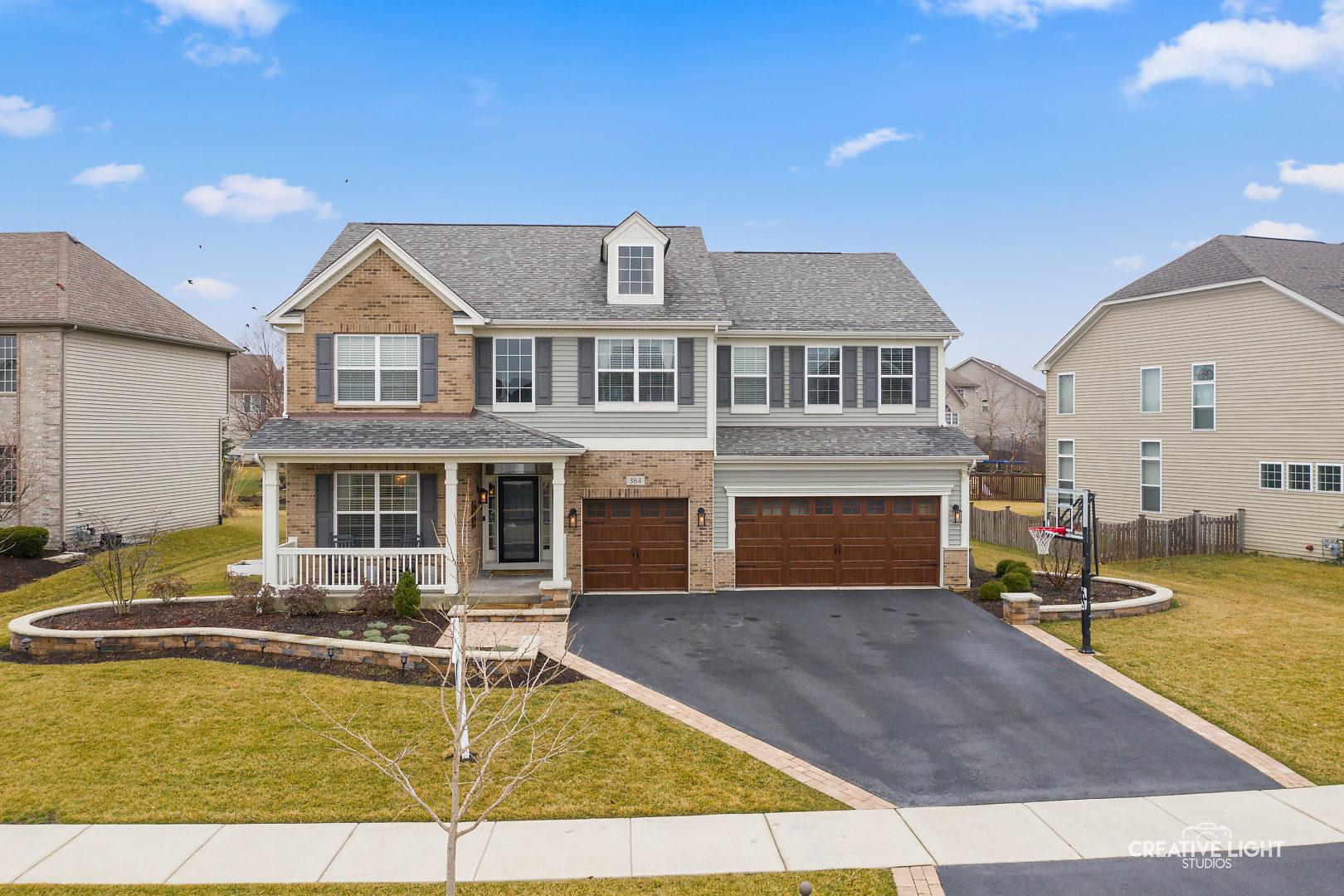 384 Bloomfield Circle East, Oswego, Illinois