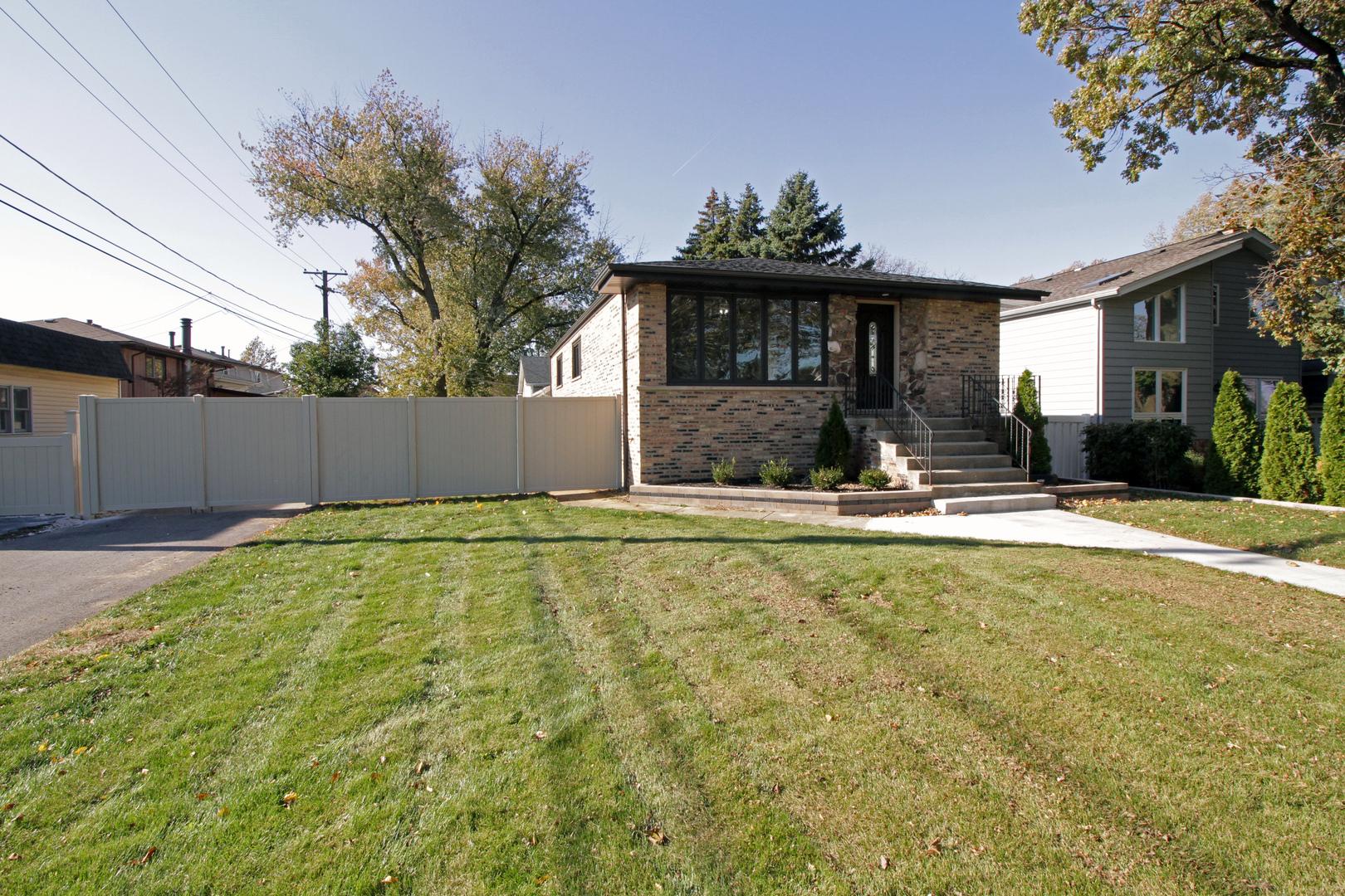 10650 South 82nd Avenue, Palos Hills, Illinois
