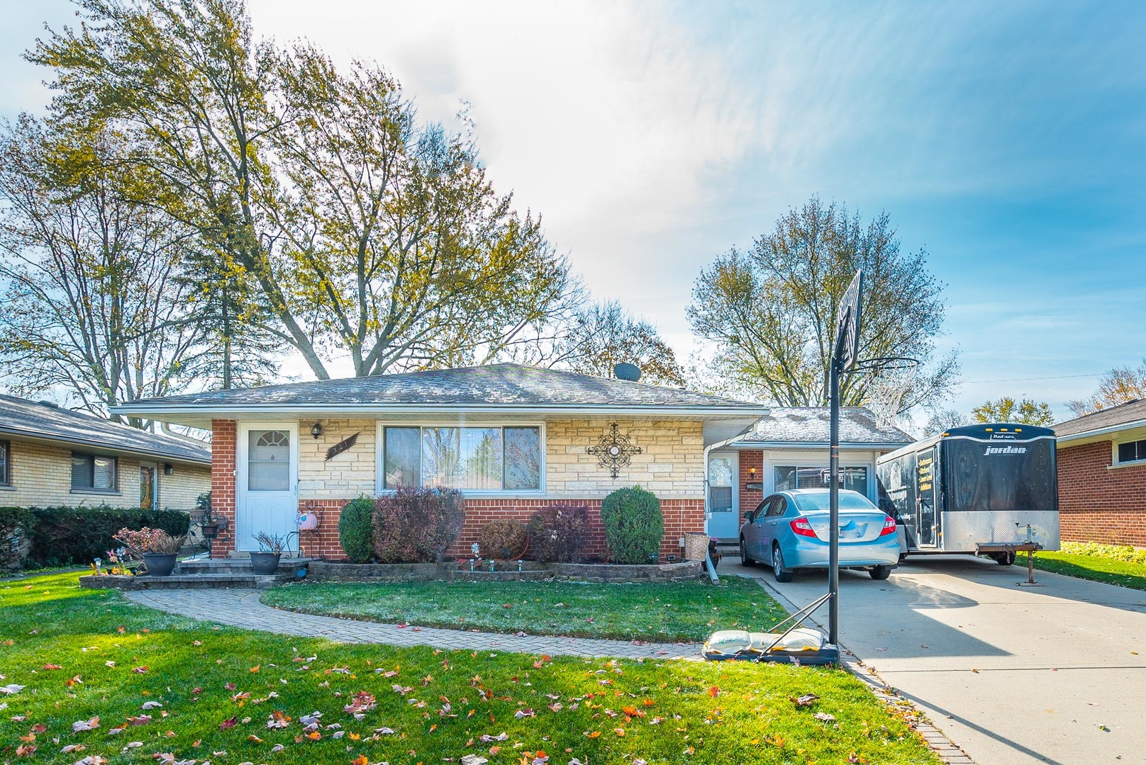 321 Lance Drive, Des Plaines in Cook County, IL 60016 Home for Sale
