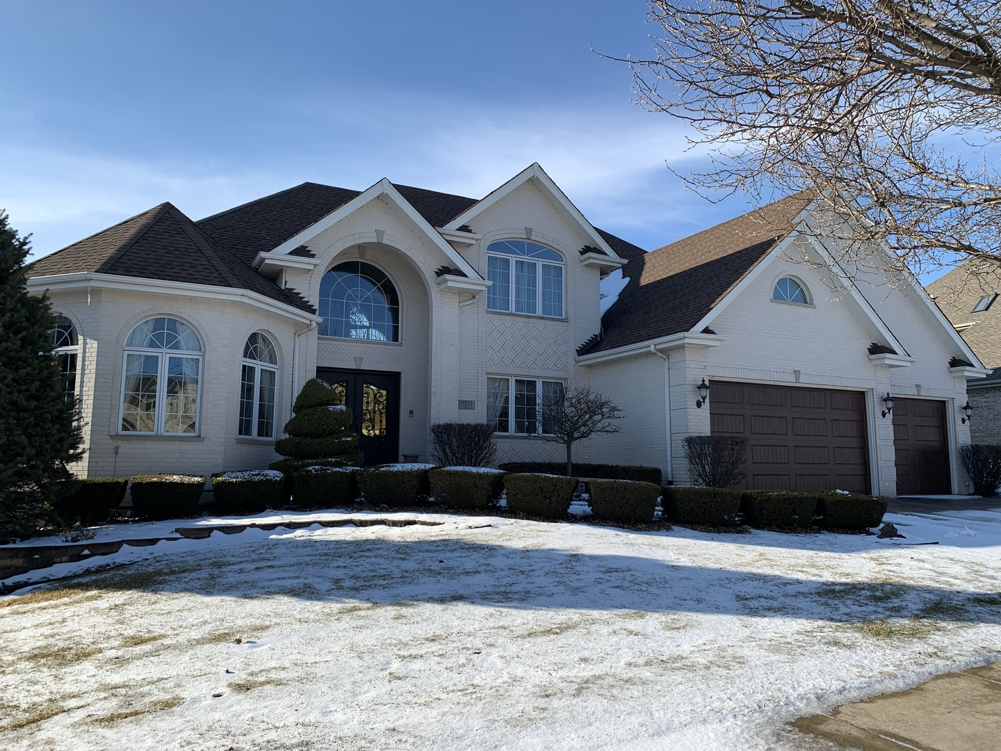 One of Orland Park 4 Bedroom Homes for Sale at 15538 Glenlake Drive