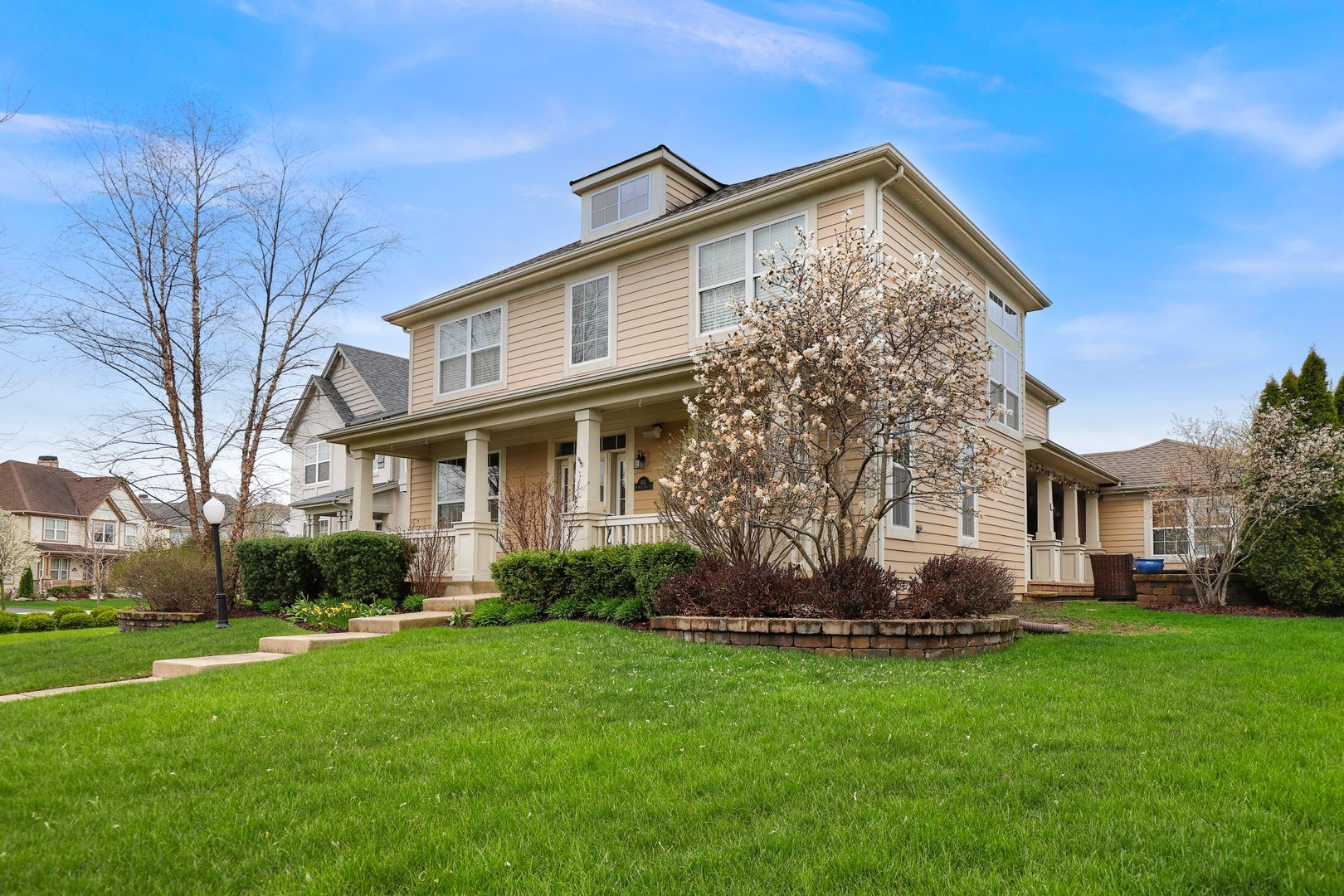402 North White Deer Trail, Vernon Hills in Lake County, IL 60061 Home for Sale