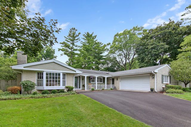 713 Thomas Court, Libertyville in Lake County, IL 60048 Home for Sale