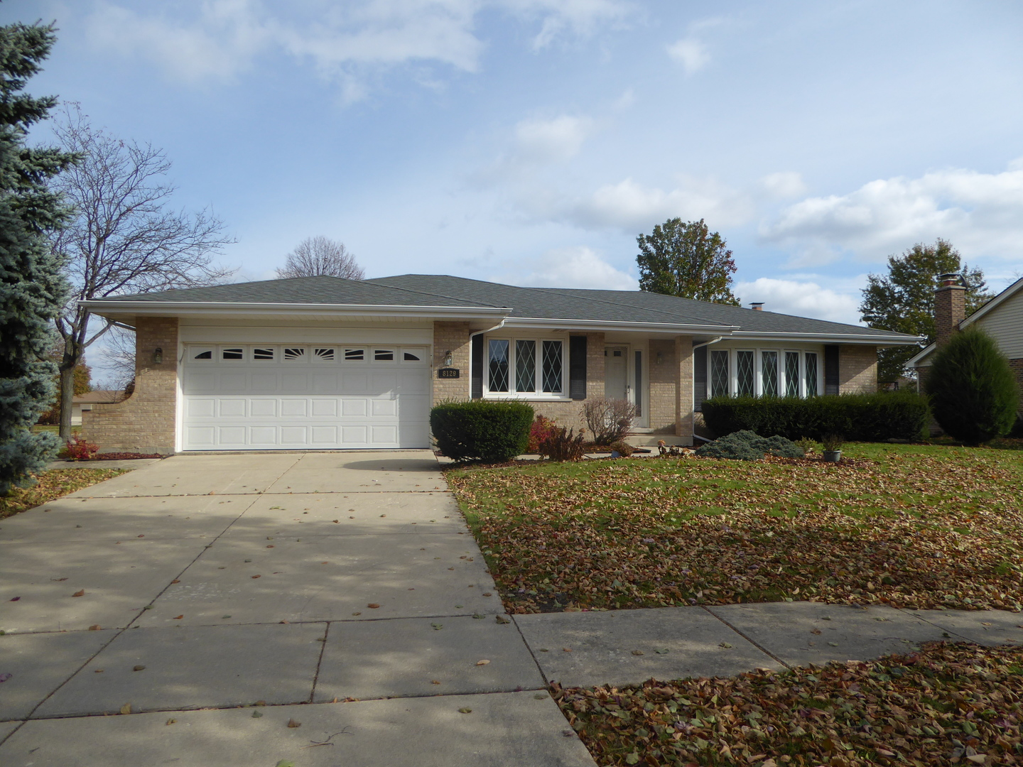 8129 Middlebury Avenue, Woodridge, Illinois