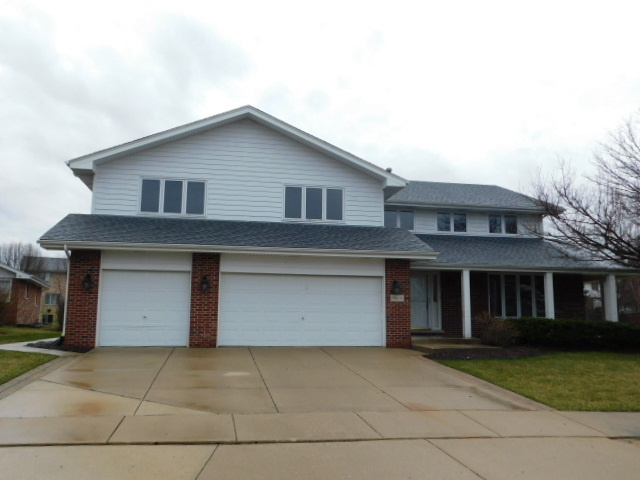 19600 Greenview Place, Tinley Park, Illinois